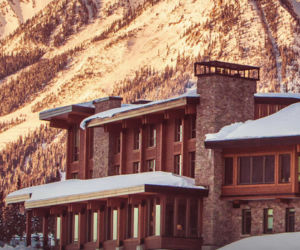 mica heli-ski lodge